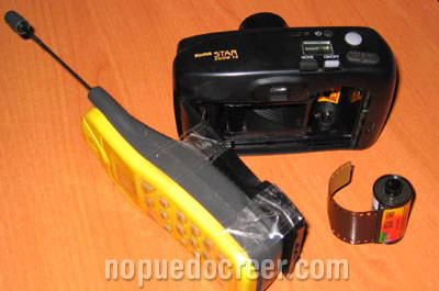 camara con carrete y movil