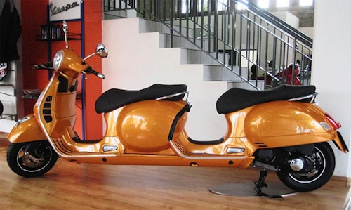 Vespa built a four seater Stretch Scooter