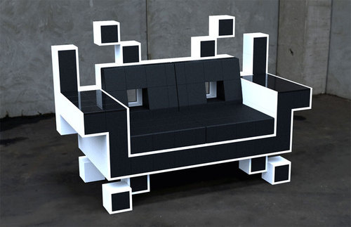500x_space_invaders_sofa
